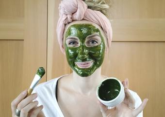 Siyah noktalara doğal tedavi: Yeşil çay yüz maskesi